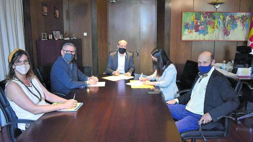 L'Ajuntament de Manresa signa un conveni amb la UBIC per donar suport a la dinamització al centre comercial urbà