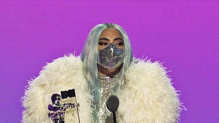 Lady Gaga y sus mascarillas arrasan en los premios de la MTV
