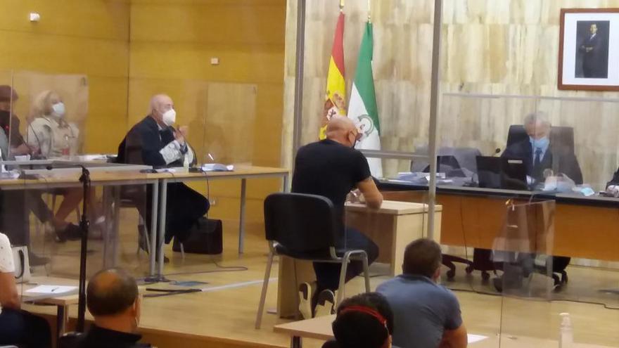 Condenado a 23,5 años de cárcel por matar a su exmujer a puñaladas en Granada