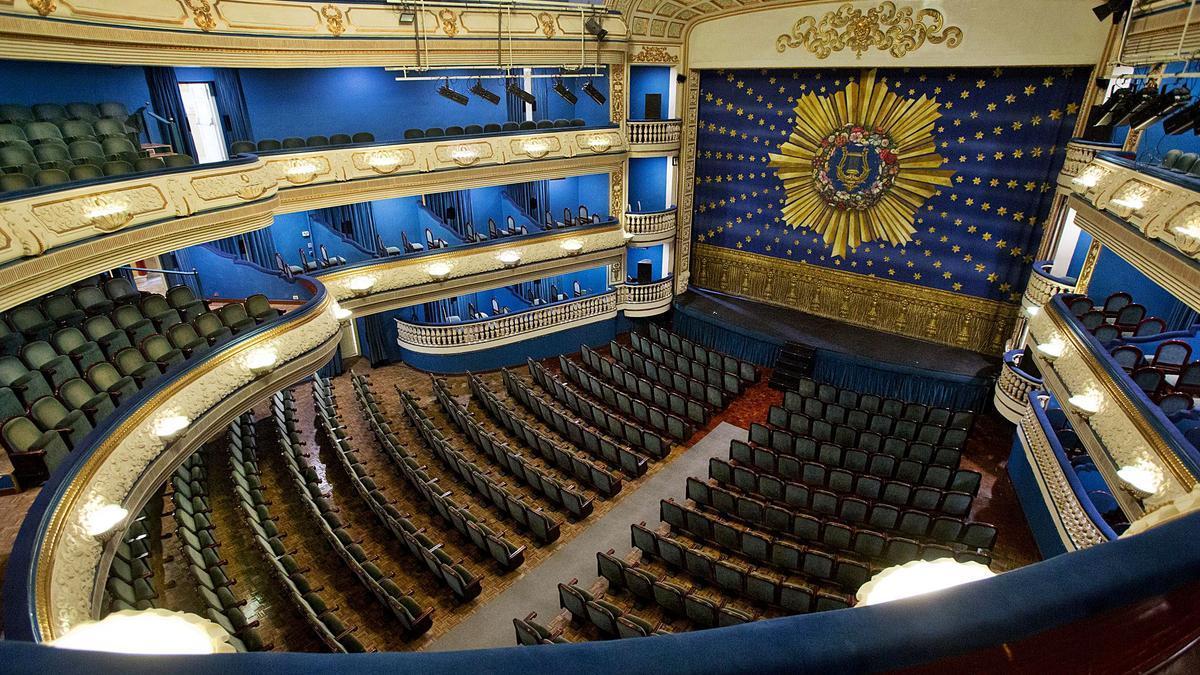 El Teatro Principal de Alicante es el marco elegido para la 36 edición de los «Importantes», marcada por las restricciones de aforo impuestas por las autoridades.   JOSE NAVARRO