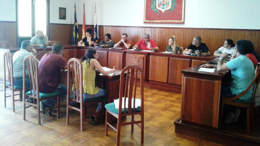 Los siete ediles de Tazacorte, con sueldos de más de 2.000 euros a jornada parcial