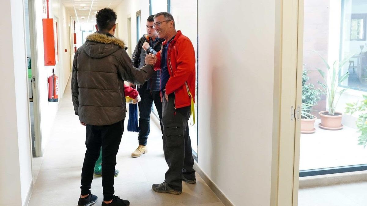 Un total de 37 menores han pasado por el centro de Cáritas Valencia durante su primer año de funcionamiento