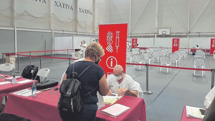 Así ha sido la vacunación en el Pabellón Francisco Ballester de Xàtiva