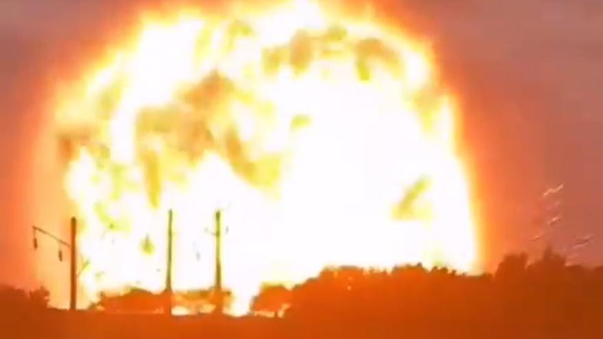 Al menos 13 fallecidos y unos 50 heridos por seis explosiones en una instalación militar de Kazajistán