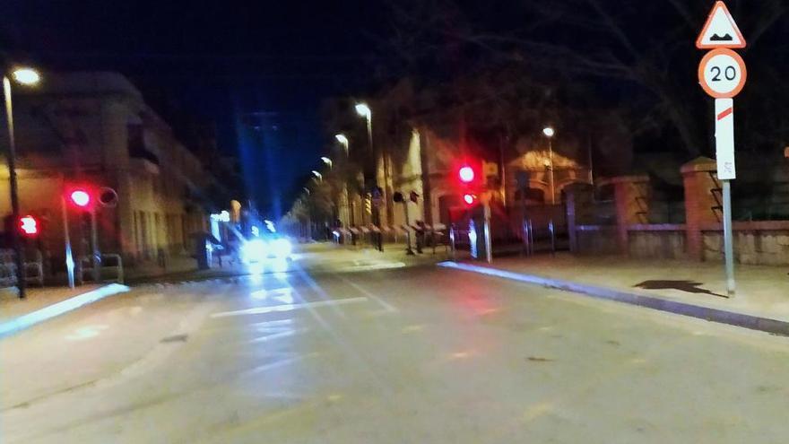 Reparada l'avaria al pas nivell amb barrera de l'avinguda Vilallonga de Figueres