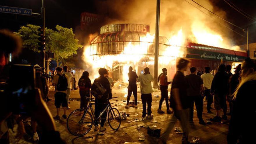 Minneapolis declara la emergencia por los disturbios
