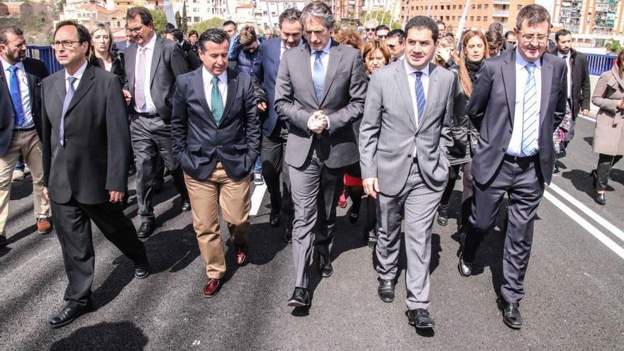 El ministro De la Serna reabre el puente Fernando Reig de Alcoy