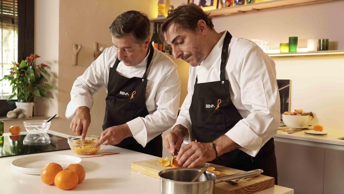 Joan y Jordi Roca preparan la receta de noviembre de Gastronomía Sostenible