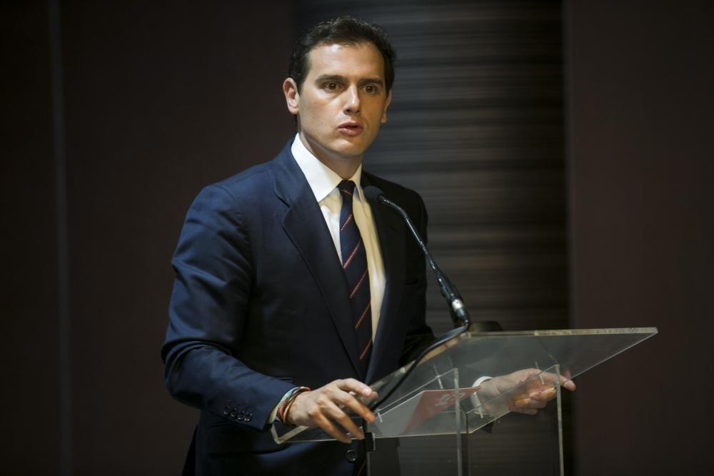 Albert Rivera participa en un desayuno informativo en Asturias
