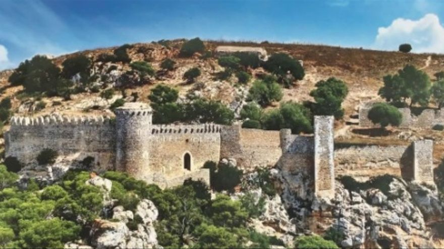 De cala Ferrera al castell de Santueri