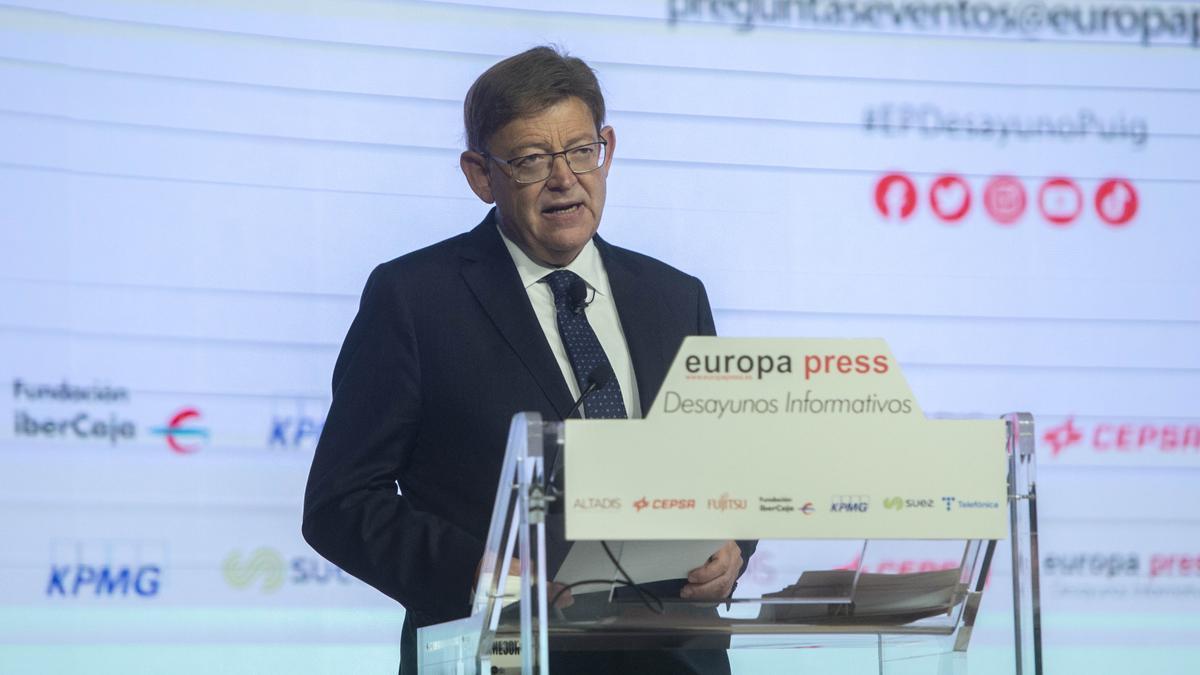 El presidente de la Generalitat Valenciana, Ximo Puig, interviene en el Desayuno Informativo de Europa Press