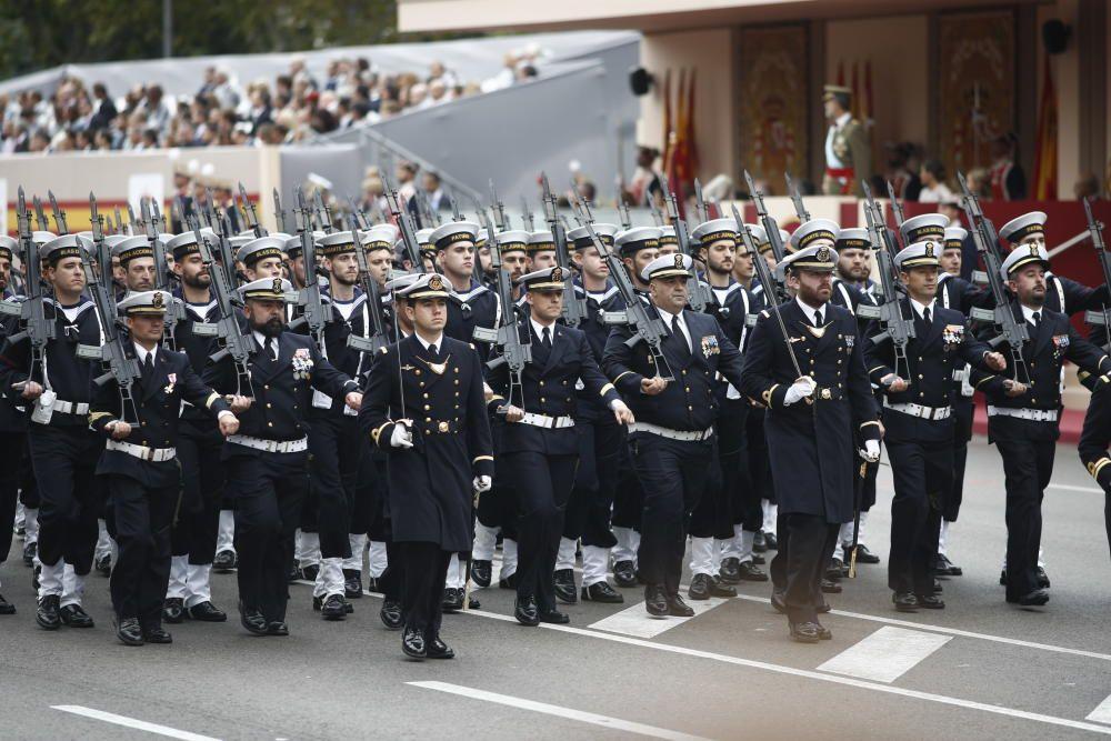 Gendarmes franceses en el desfile del 12 de ...