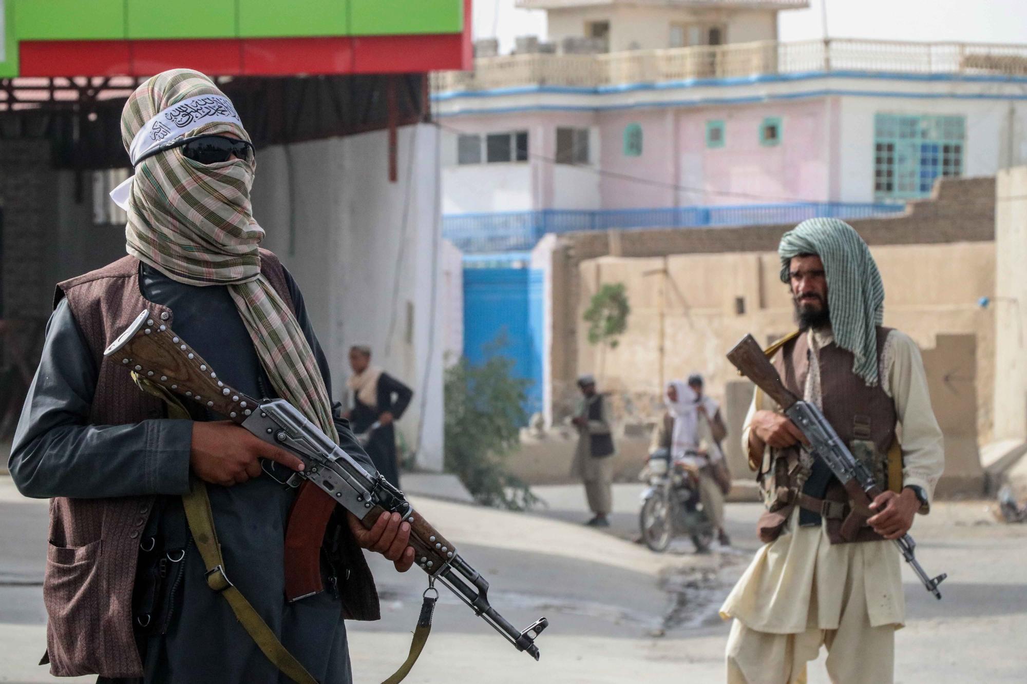 Los talibanes ya patrullan por las calles de Kabul