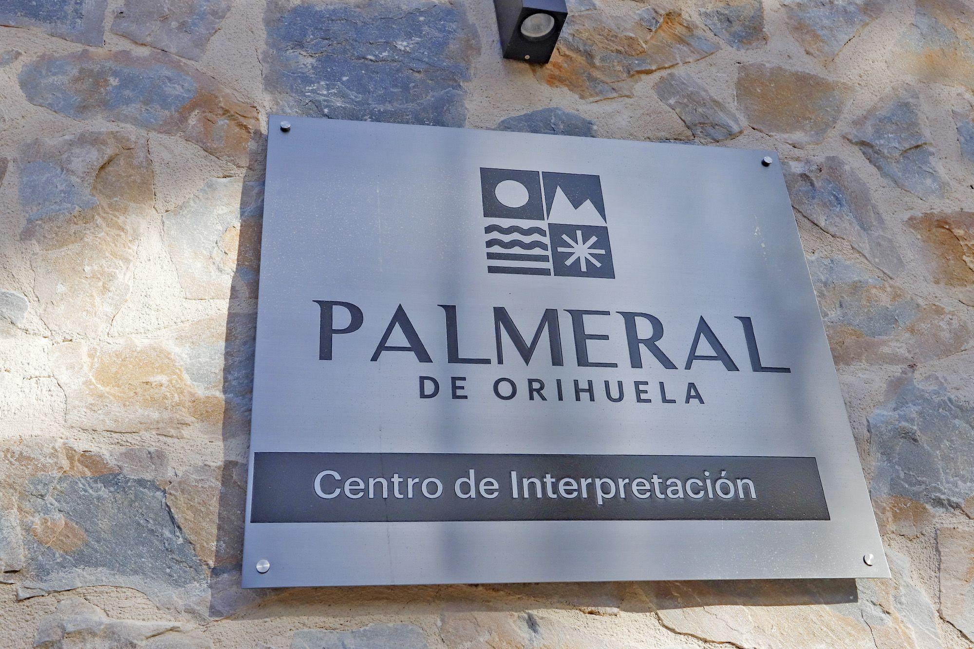Orihuela da la bienvenida al centro de interpretación del Palmeral