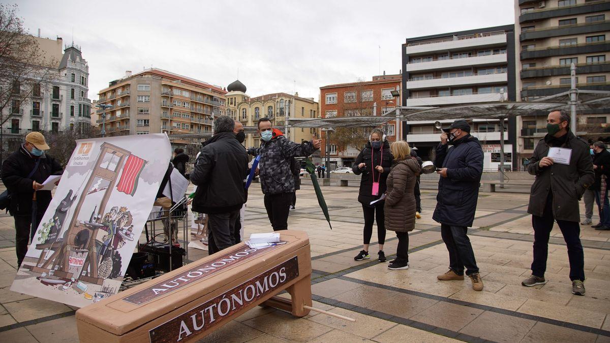 Autónomos zamoranos se manifiestan en la ciudad.