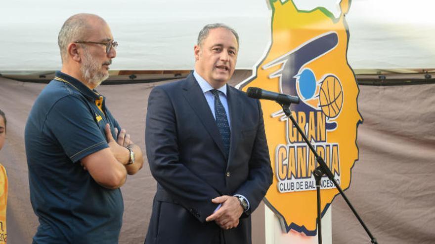 """Paco Castellano: """"De momento hay un presidente, vamos a terminar la temporada y después ya veremos"""""""