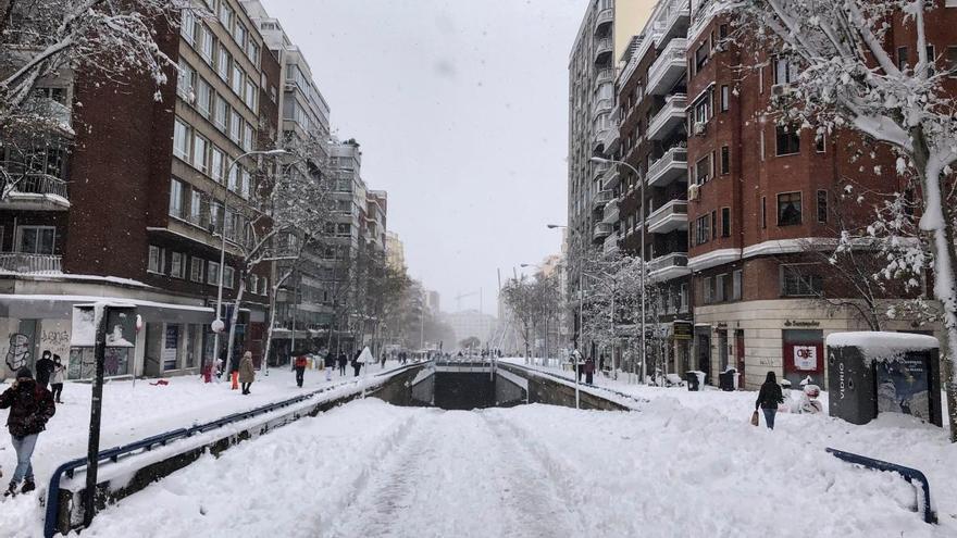 Madrid, col·lapsat per la neu per la borrasca més gran del segle XXI