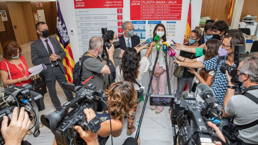 La ministra de Justicia anuncia en Ibiza un refuerzo de sólo cuatro funcionarios para desatascar los juzgados