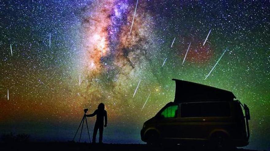 El fulgor de las Perseidas ilumina el cielo canario