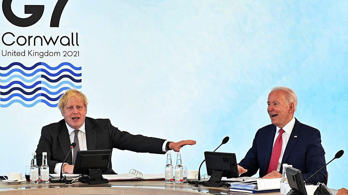Boris Johnson i Joe Biden, en la cimera d'ahir al sud-oest d'Anglaterra.  | EUROPA PRESS