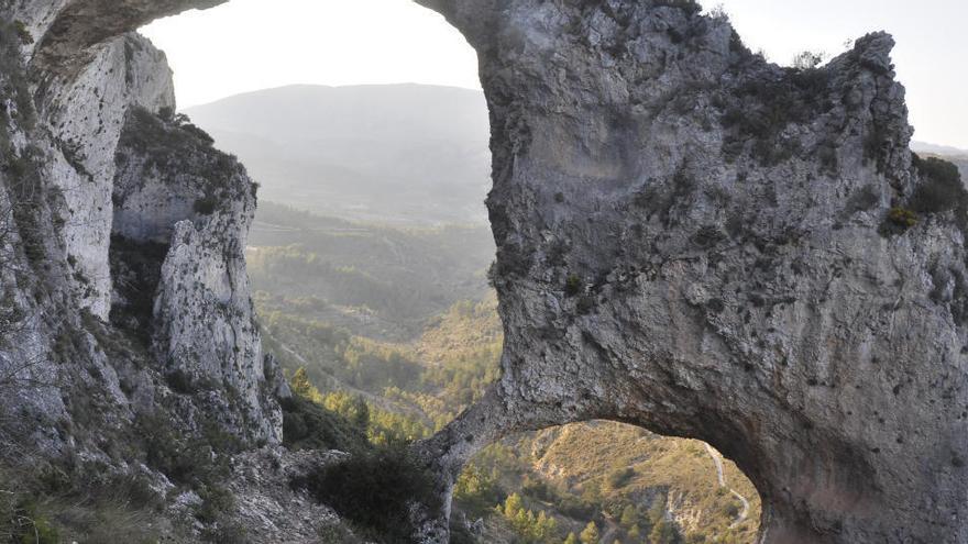 Les meravelles de la geologia en la mar i la muntanya a la Marina Alta