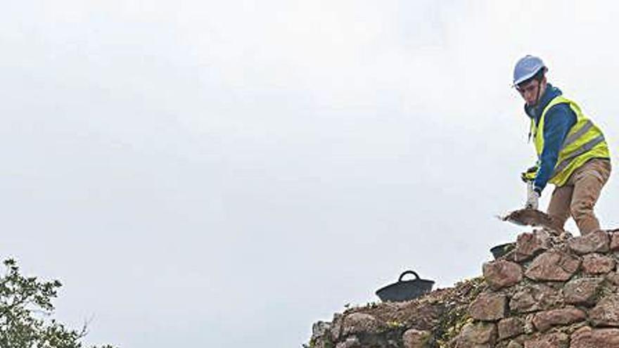 Comença l'excavació arqueològica al castell de Montagut de Llagostera