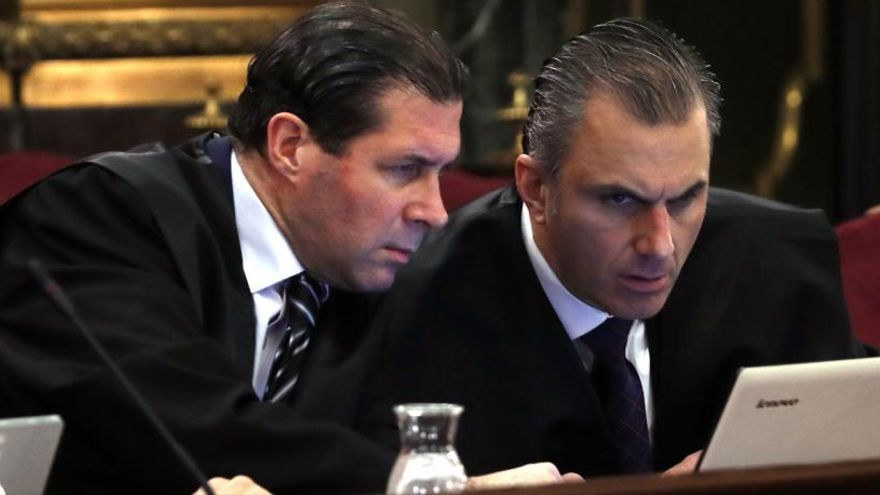 Els advocats de Vox arriben tard a la vista al Suprem i entren a la sala al recés del judici