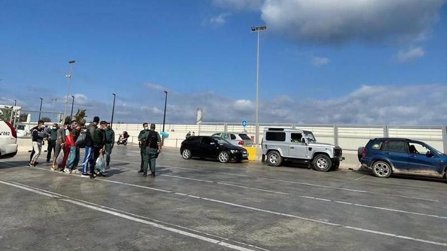 Dos pateras dejan en Formentera a 21 migrantes en apenas seis horas