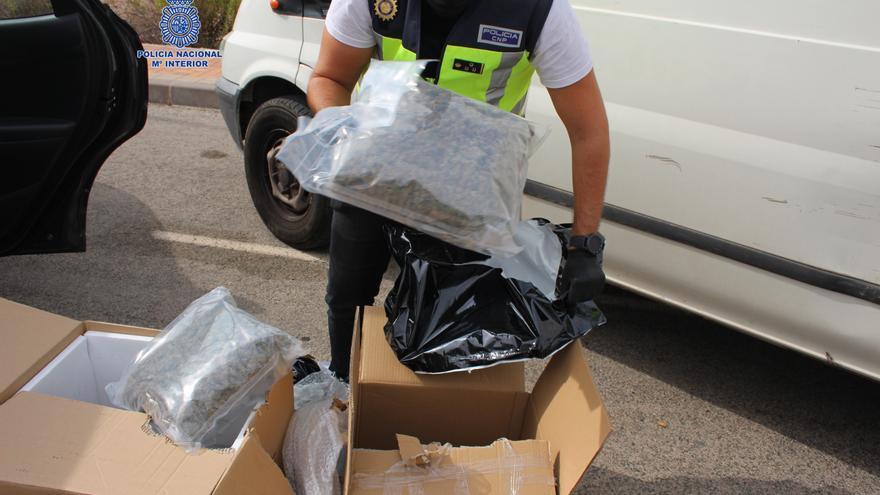 Cinco detenidos en Alcantarilla tras hallar en sus vehículos 27 kilos de marihuana