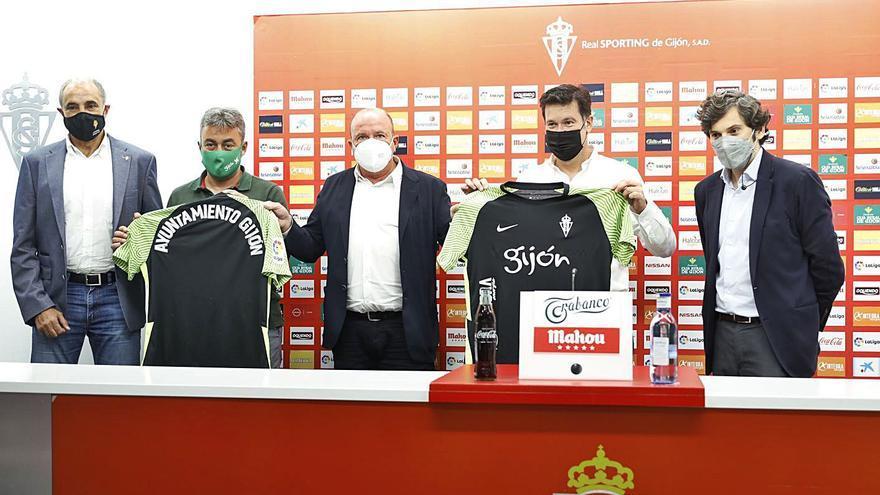 El Sporting ensalza el pasado minero de la región con su segunda camiseta