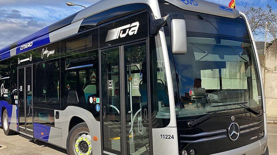 El primer autobús totalmente eléctrico de Oviedo ya circula