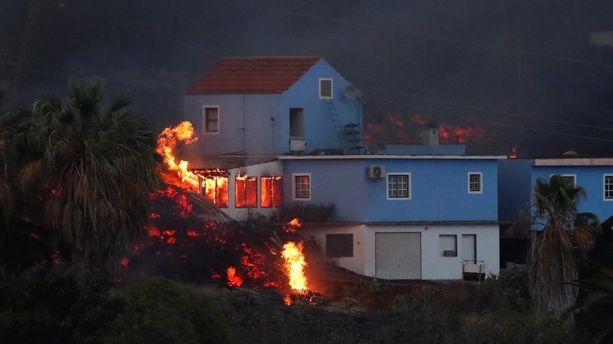 Así devoran las llamas las casas de Tajuya