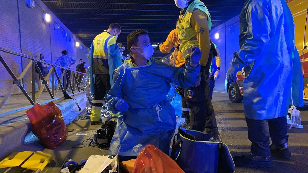 Efectivos de emergencias trataron de reanimar al joven apuñalado en Madrid