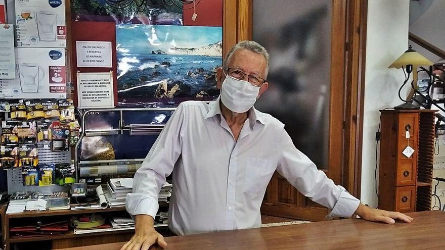 """El comercio decano de Xàbia: """"Llevamos 97 años y no vamos a tirar ahora la toalla"""""""