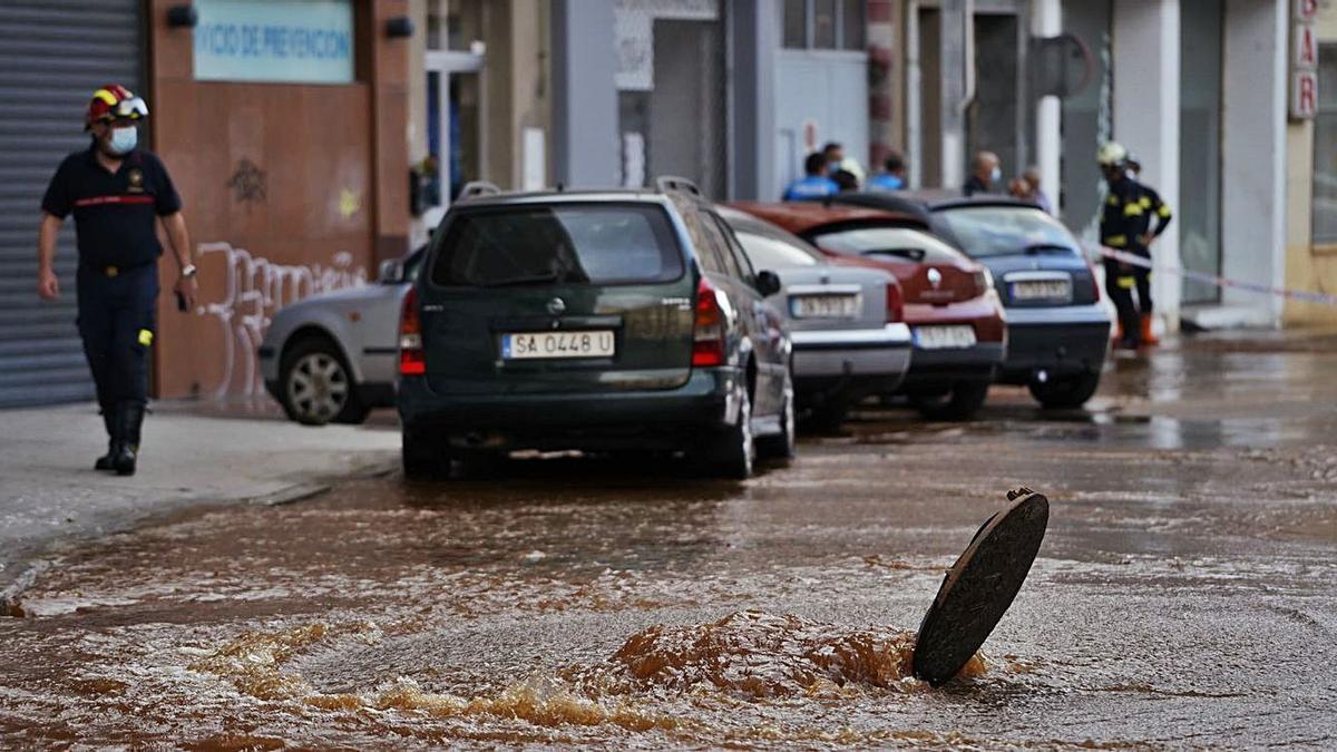 Punto exacto de fuga que generó la inundación en segundos de la calle Campo de Marte