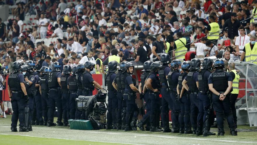Los hinchas del Niza que invadieron el campo podrían ser condenados a 3 años de cárcel