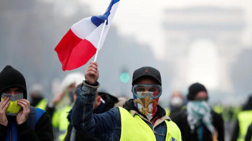 Mor un «armilla groga» a França atropellat per un camió