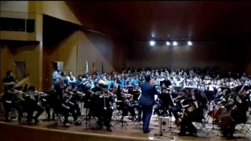 Más de 1.200 escolares cantan el Himno de Canarias en las ocho islas a la vez