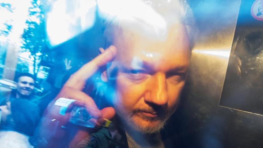 Julian Assange rechaza ser extraditado a EEUU.