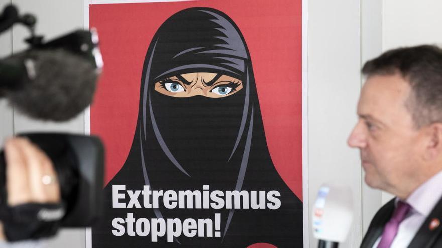 Els suïssos aproven prohibir el burca i amagar la cara en públic