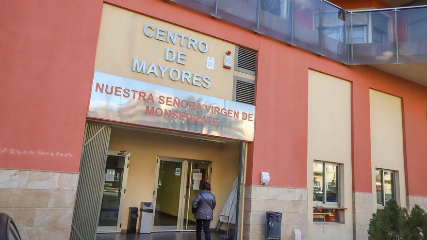El PSOE denuncia que el servicio de cafetería del Centro de Mayores de Orihuela se presta sin contrato desde 2016 y el adjudicatario adeuda 20.000 euros