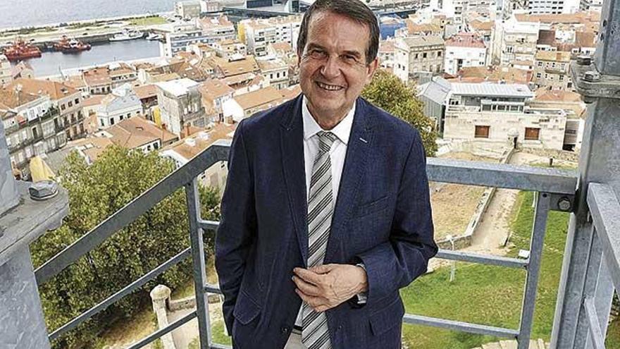 """Abel Caballero: """"Miles de ayuntamientos  se enfadarán si cae el decreto para gastar remanentes"""""""