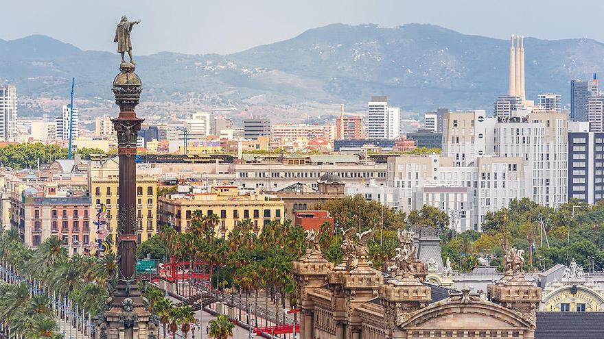 La líder de los 'comuns', partidaria de desmontar la estatua a Colón de Barcelona