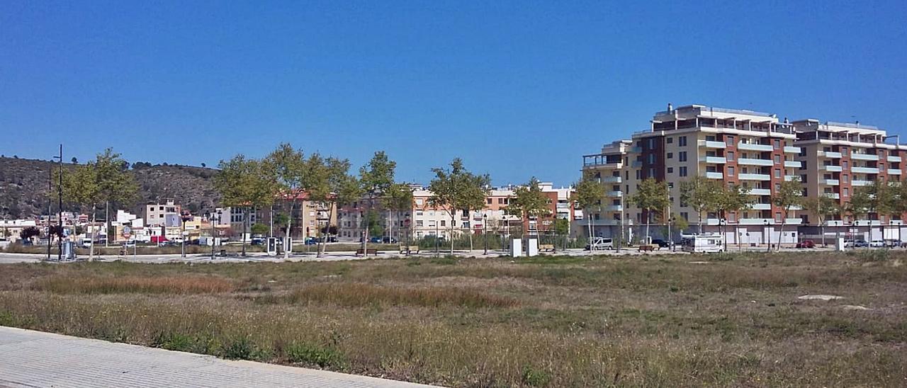 Solares en el sector Beniopa-Passeig   de Gandia, donde se construirá otra residencia de personas mayores.