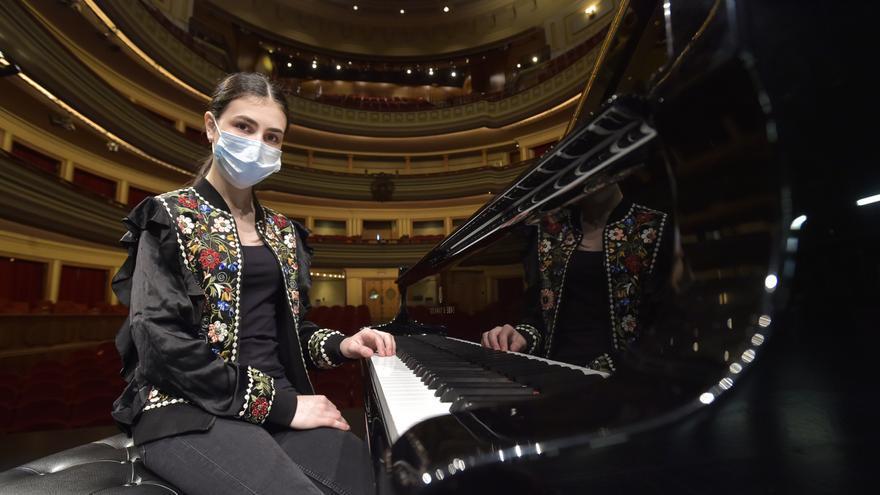 Alexandra Dovgan, pianista rusa de 13 años, actúa en el Teatro Pérez Galdós
