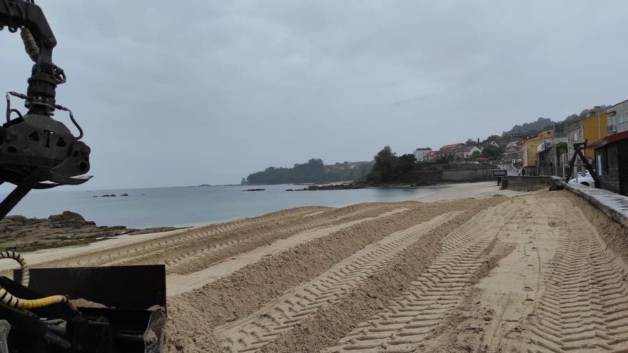 Moaña inicia, por O Con, su limpieza de playas