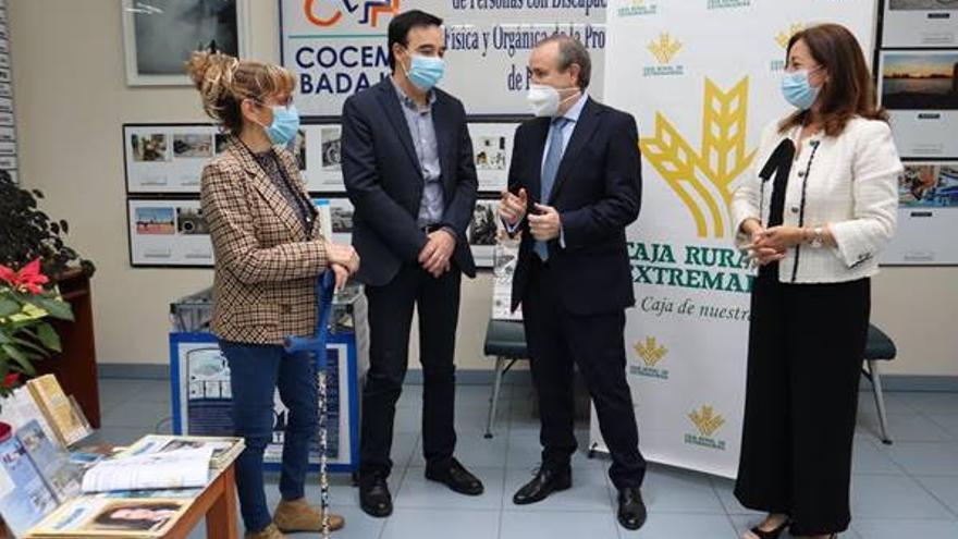 Caja Rural de Extremadura y Cocemfe colaboran para mejorar la autoestima de personas con discapacidad
