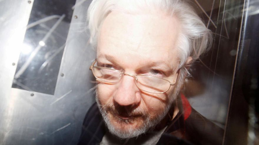 La jueza deniega la libertad condicional a Assange