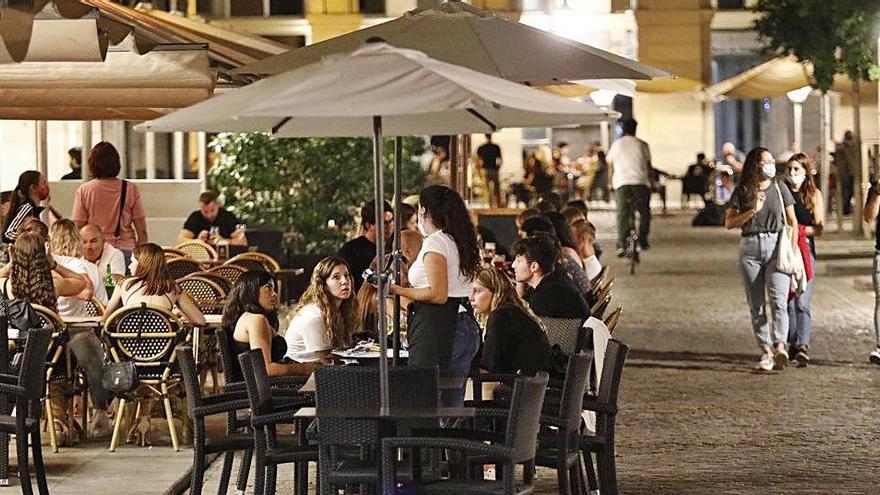 Els bars i restaurants podran obrir fins la 1 de la matinada