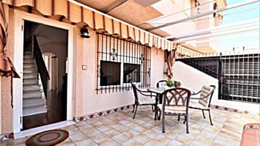 125.000 € Venta de dúplex en Los Alcázares 77 m2, 3 habitaciones, 2 baños, 1.623 €/m2...